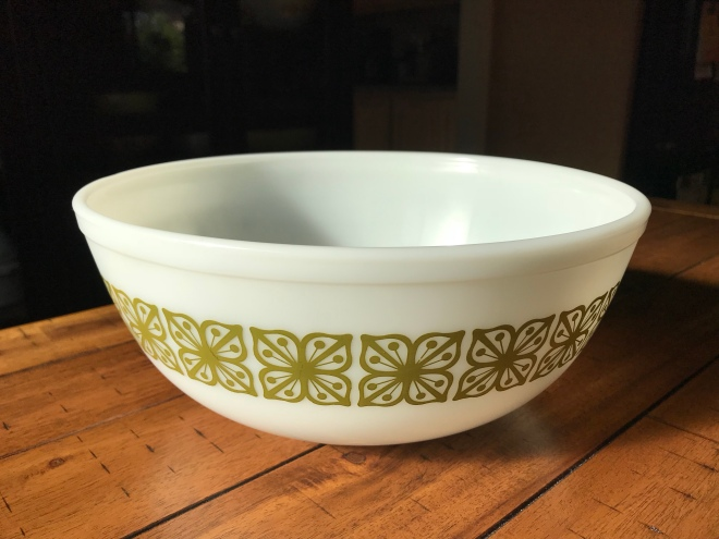 7 Must-Have Pyrex and Corning Ware Dishes – Thrifted Kitchen